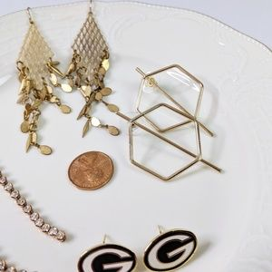 Jewelry - 🌜3 for $25 🌛5 Pair of Gold Tone Earrings Packers